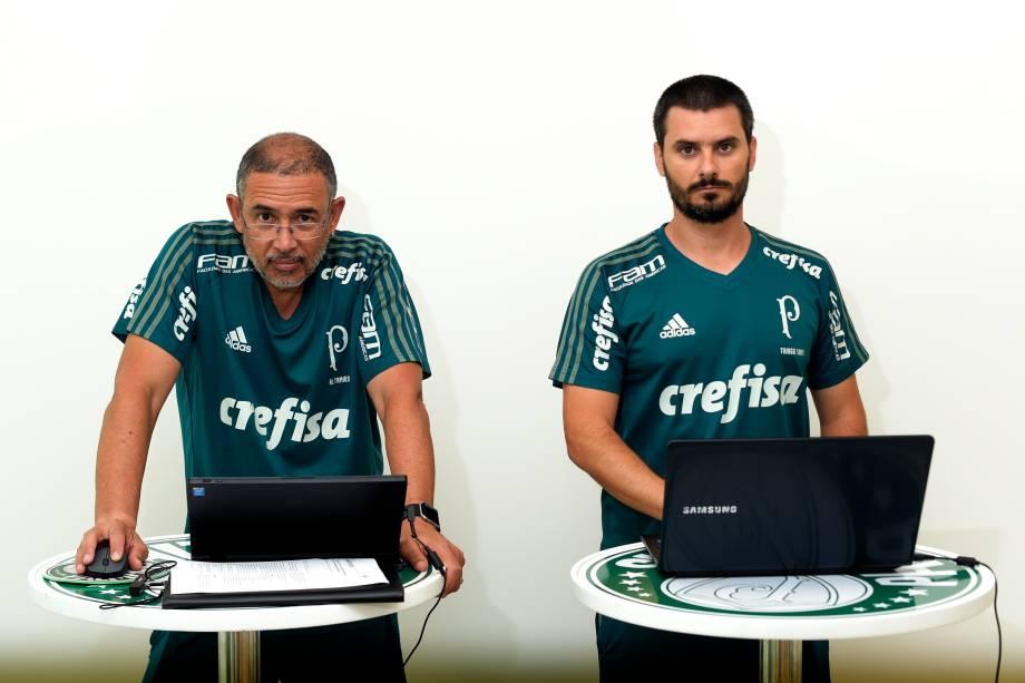 Coordenador científico do Palmeiras, Altamiro Bottino, e o preparador físico Thiago Santi