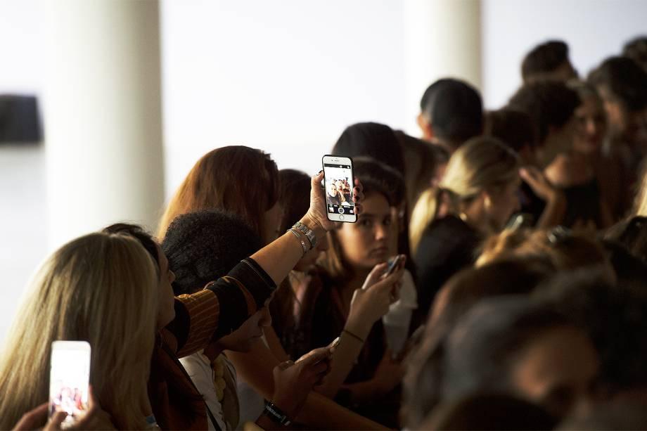Público durante o desfile da grife Lollita na 43ª edição Outono/Inverno 2017 do São Paulo Fashion Week (SPFW), no Auditório do Ibirapuera em São Paulo (SP) - 14/03/207