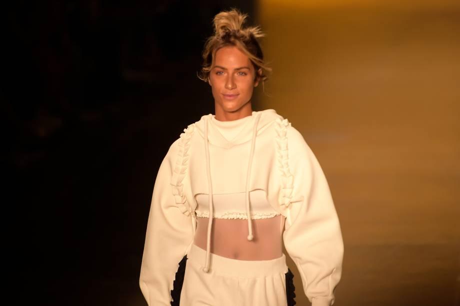 Atriz Giovanna Ewbank desfila pela grife Memo, na 43ª edição do São Paulo Fashion Week