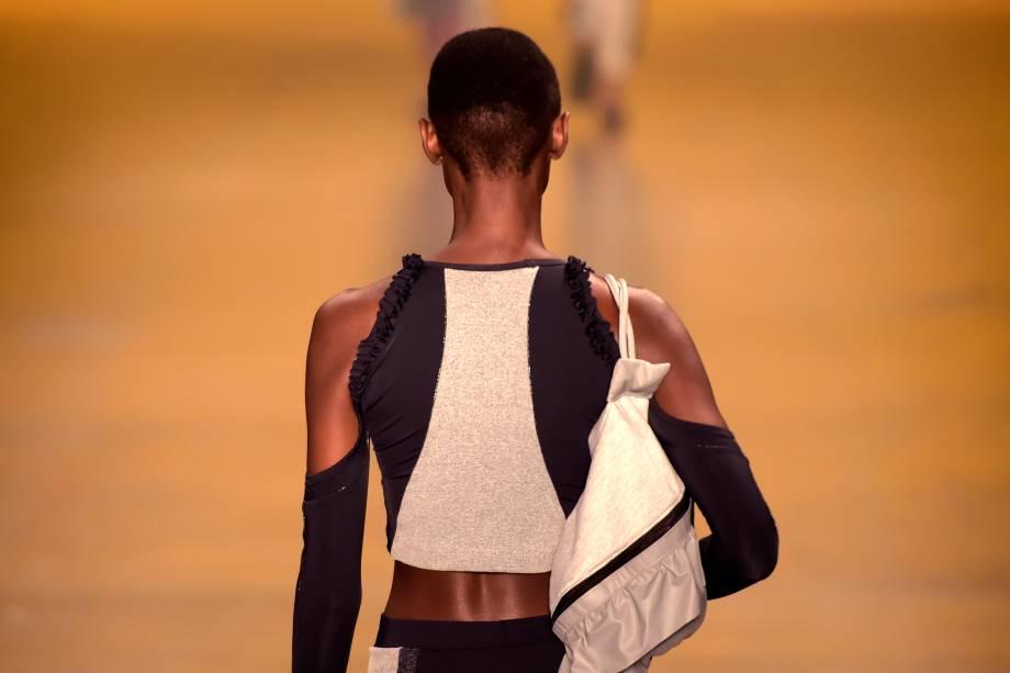 Modelos desfilam para a grife Memo, na 43ª edição do São Paulo Fashion Week, do Bienal do Ibirapuera