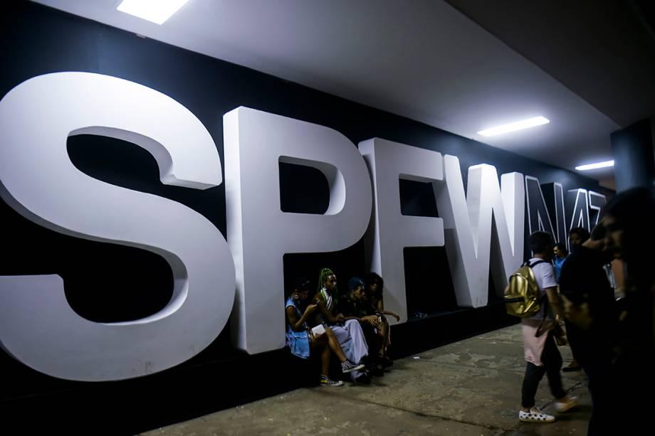 Fachada da São Paulo Fashion Week, na Bienal do Ibirapuera