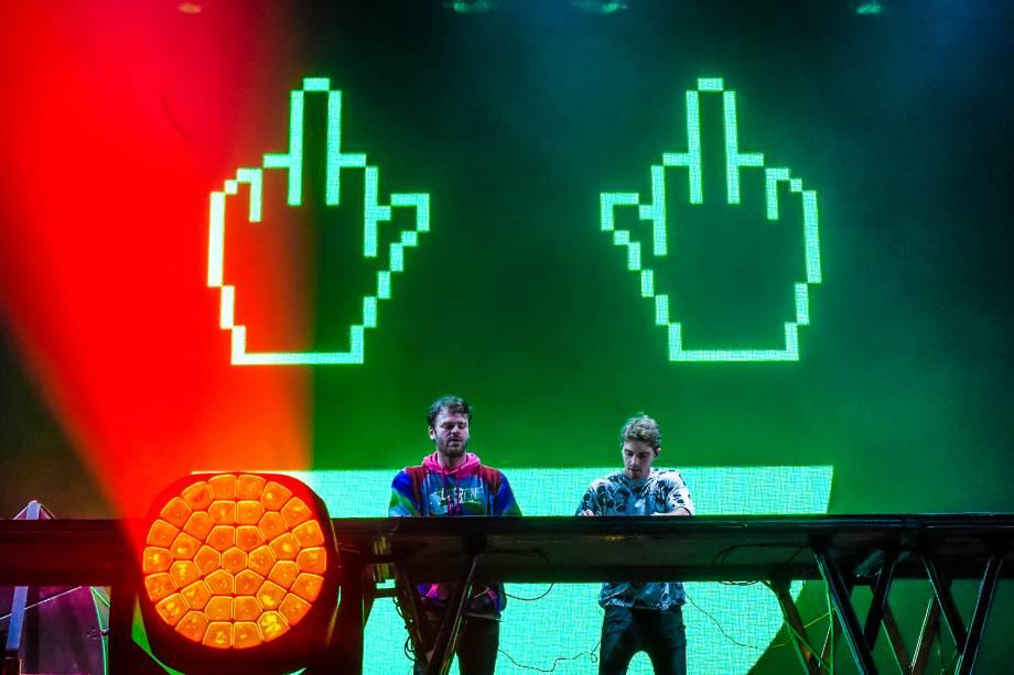 O duo americano Chainsmokers se apresenta no primeiro dia do Lollapalooza 2017