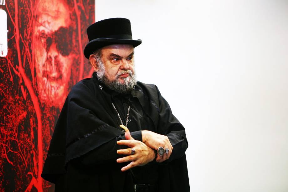 """José Mojica Marins, o Zé do Caixão, durante a coletiva de imprensa do filme """"Encarnação do Demônio"""", no Cine Sesc."""