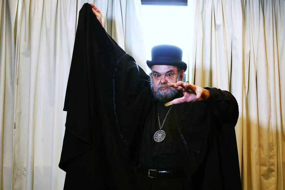 """José Mojica Marins, o Zé do Caixão, durante a coletiva de imprensa do filme """"Encarnação do Demônio"""", no Cine Sesc -  28/07/2008"""