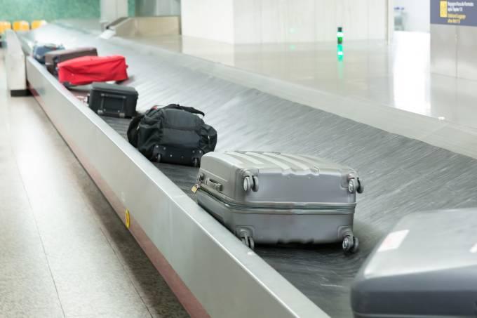 Malas na esteira do aeroporto