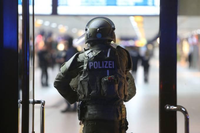 Homem ataca pessoas com um machado na Alemanha