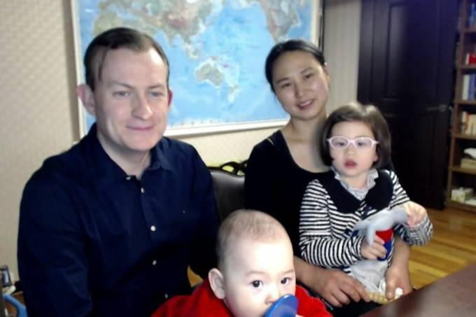 Robert Kelly e família