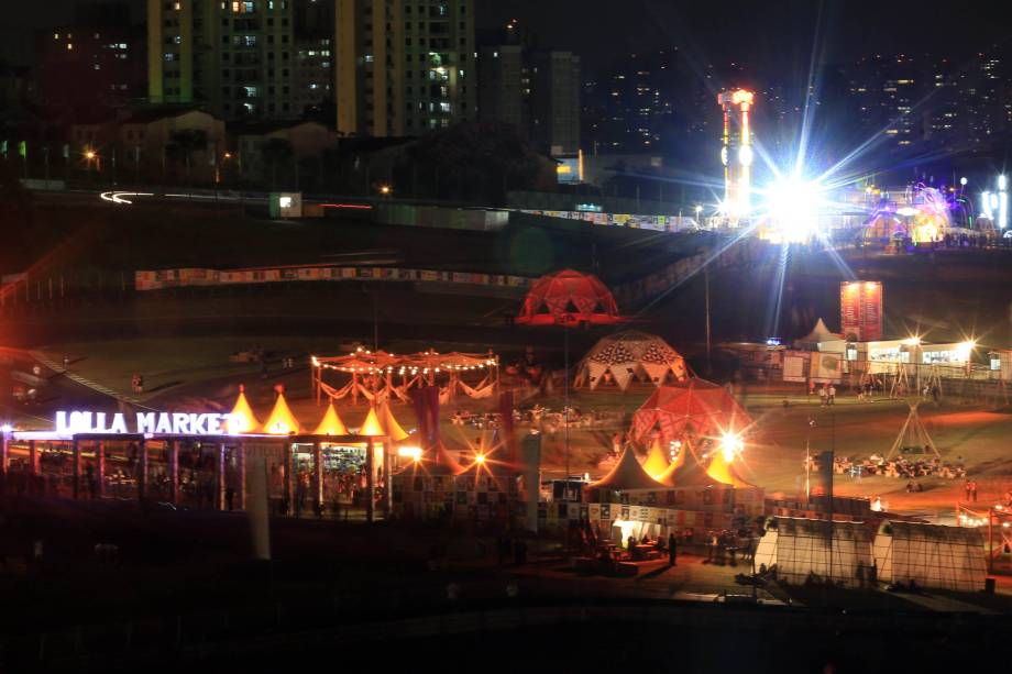 Vista geral da 6ª edição do Lollapalooza no autódromo de Interlagos
