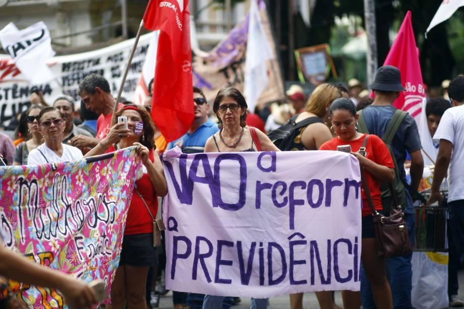 Em Belém, no Pará, movimentos sociais protestam contra a reforma da Previdência proposta pelo governo Michel Temer - 15/03/2017