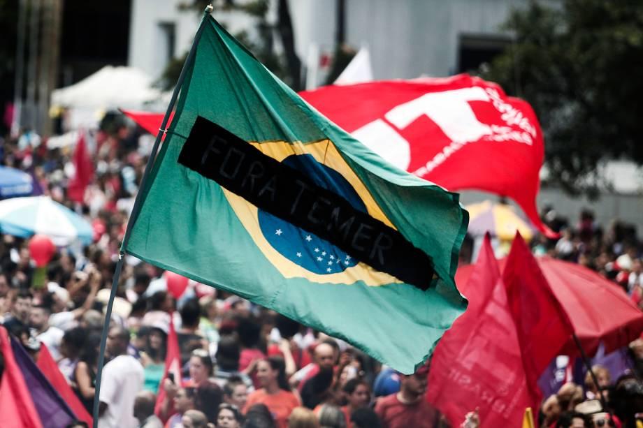 Manifestantes ocupam a avenida Paulista durante protesto contra as reformas trabalhista e da Previdência propostas pelo governo Michel Temer - 15/03/2017