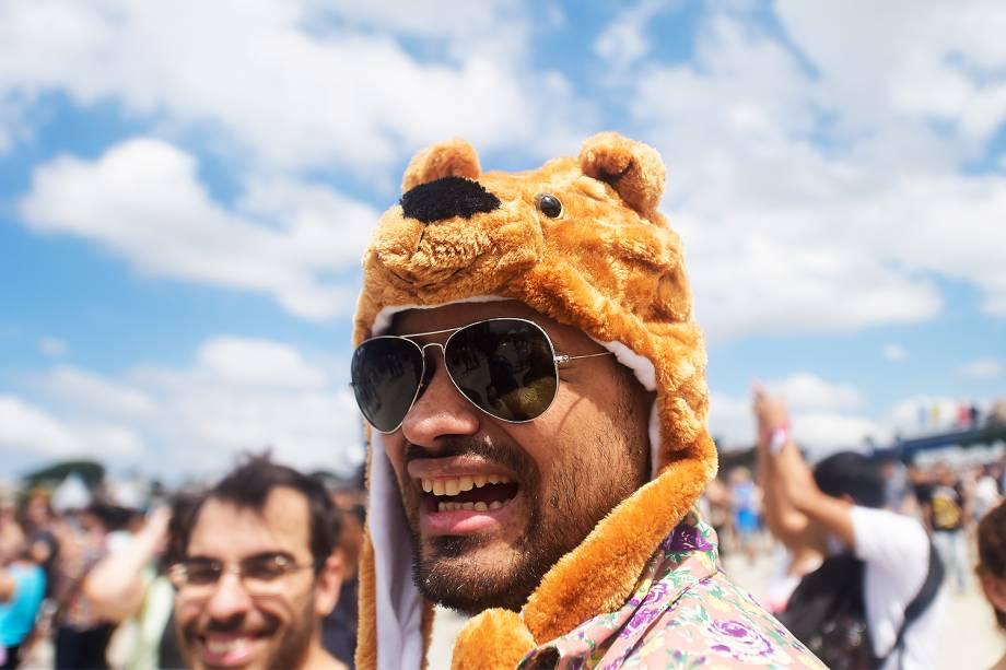 Público usa criatividade no figurino para se divertir na 6ª edição do Lollapalooza