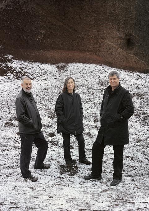 Ramon Vilalta, Carme Pigem e Rafael Aranda, o RCR Arquitectes, vencedor do Pritzker