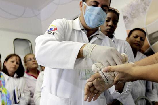 """Médico estrangeiro do programa """"Mais Médicos"""""""