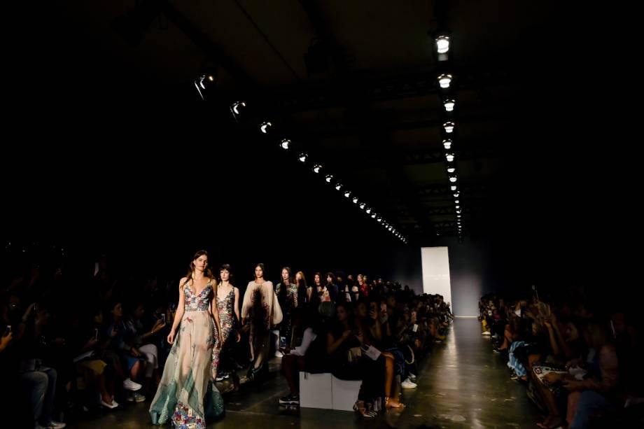 Desfile da estilista Fabiana Milazzo durante a São Paulo Fashion Week N43, na Bienal do Ibirapuera