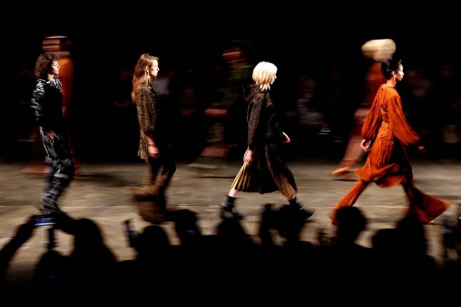 Desfile da marca Gig Couture, durante a 43ª edição do São Paulo Fashion Week realizado na Bienal do Parque Ibirapuera em São Paulo, SP - 14/03/2017