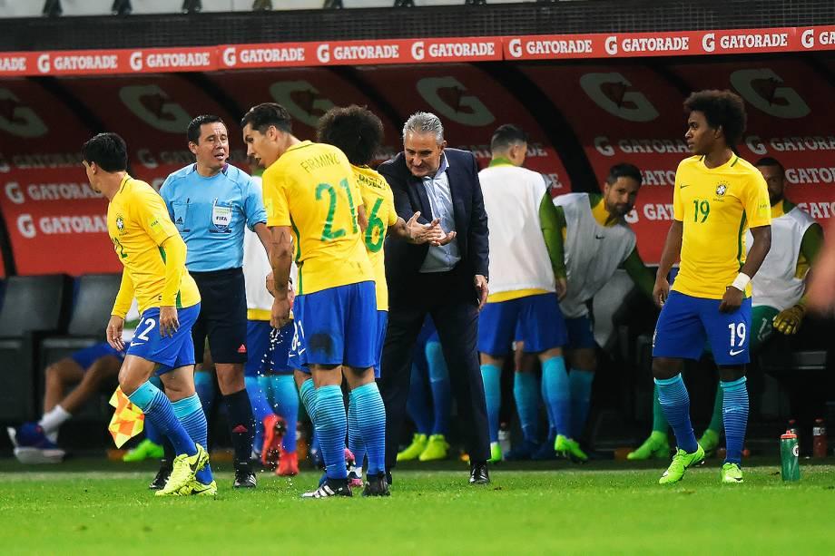 Tite durante partida entre Brasil e Paraguai válida pela 14ª rodada das Eliminatórias da Copa do Mundo Rússia 2018, na Arena Itaquera, em São Paulo - 28/03/2017