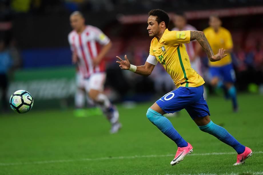 Neymar durante partida contra o Paraguai no Itaquerão