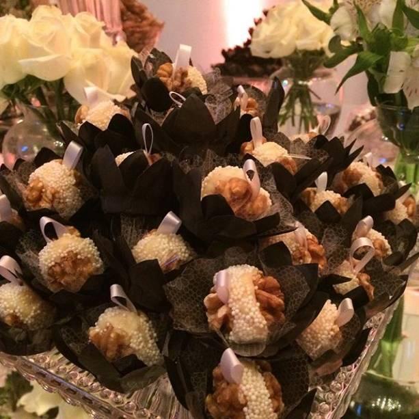Comida e decoração não faltaram na casa de Silvio Santos na festa de Patricia Abravanel e Fabio Faria