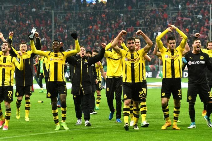 Borussia Dortmund comemora ao se classificar para as finais da Copa da Alemanha