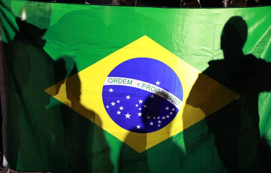Manifestantes durante greve geral contra as reformas trabalhistas e da previdência, em Porto Alegre