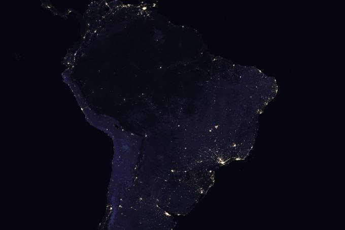brasil-satelite-noite-2012