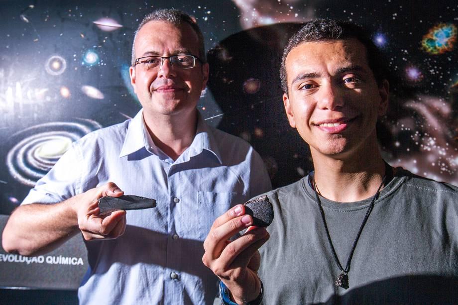 Caçadores de meteoros durante seminário na USP