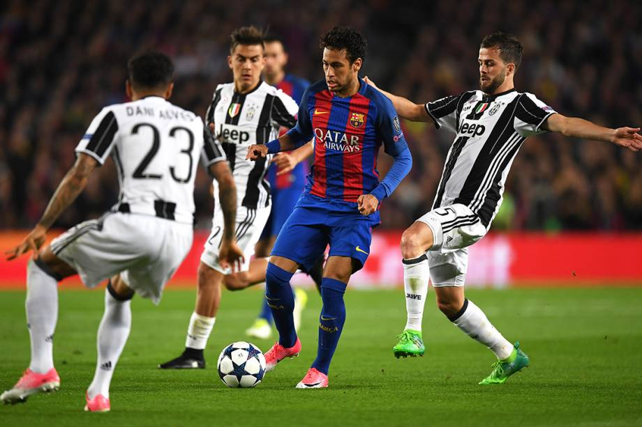 Lance no jogo entre Barcelona e Juventus, pela Liga dos Campeões