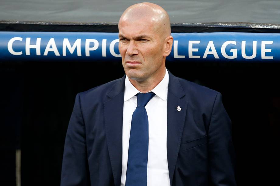 O técnico do Real Madrid, Zinedine Zidane, durante as quartas de final da<span>Liga dos Campeões</span> contra o Bayern de Munique, na Espanha