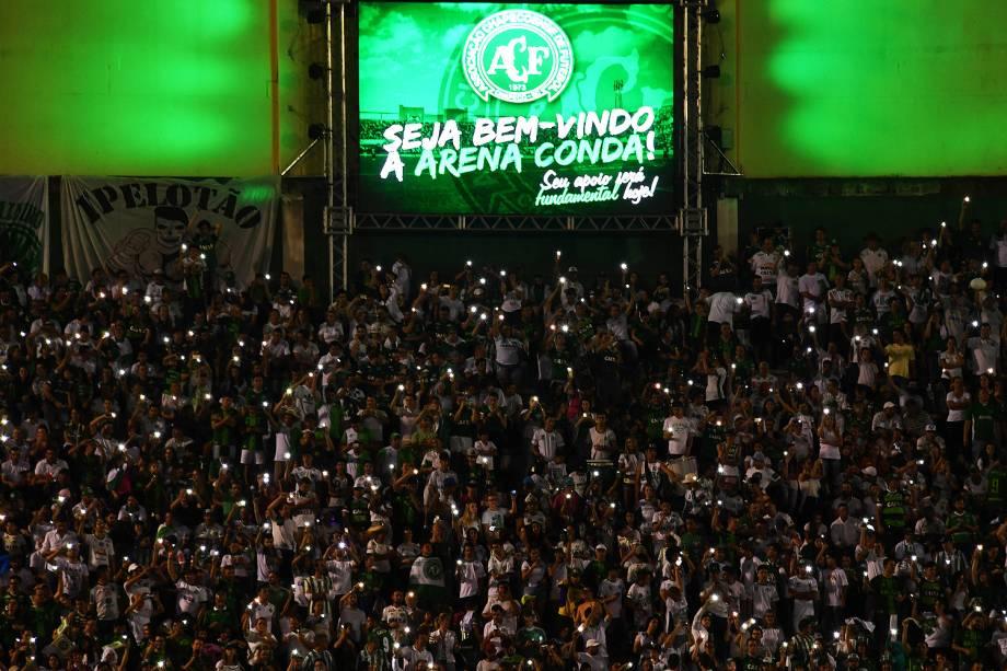 Cerimônia de homenagem feita antes deChapecoense xAtlético Nacional, na Arena Condá, em Chapecó
