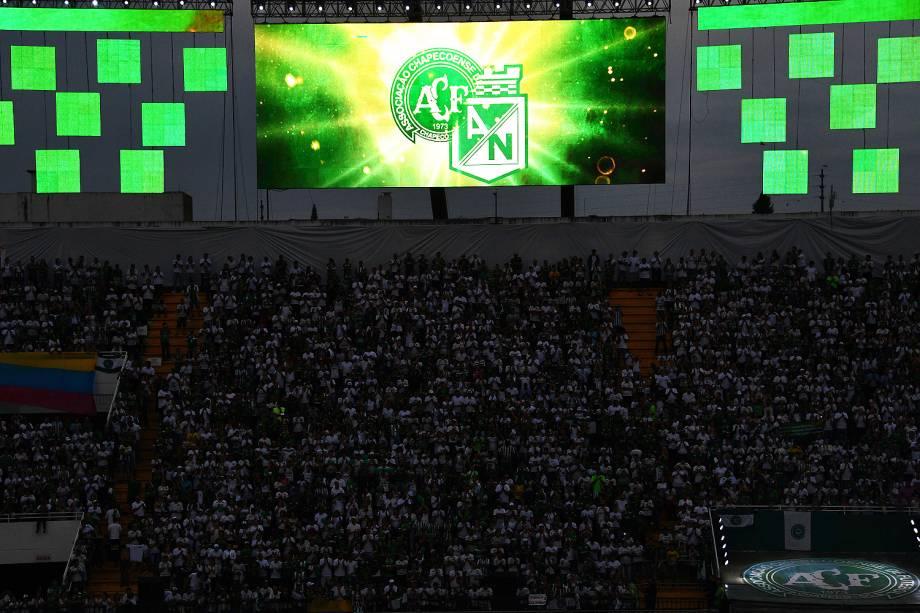 Cerimônia de homenagem feita antes de Chapecoense x Atlético Nacional, na Arena Condá, em Chapecó