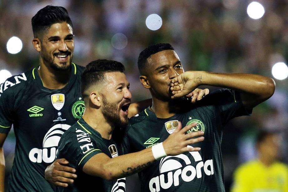 O jogador Reinaldo comemora gol durante a partida entre Chapecoense e Atlético Nacional, válida pela Recopa Sul-Americana
