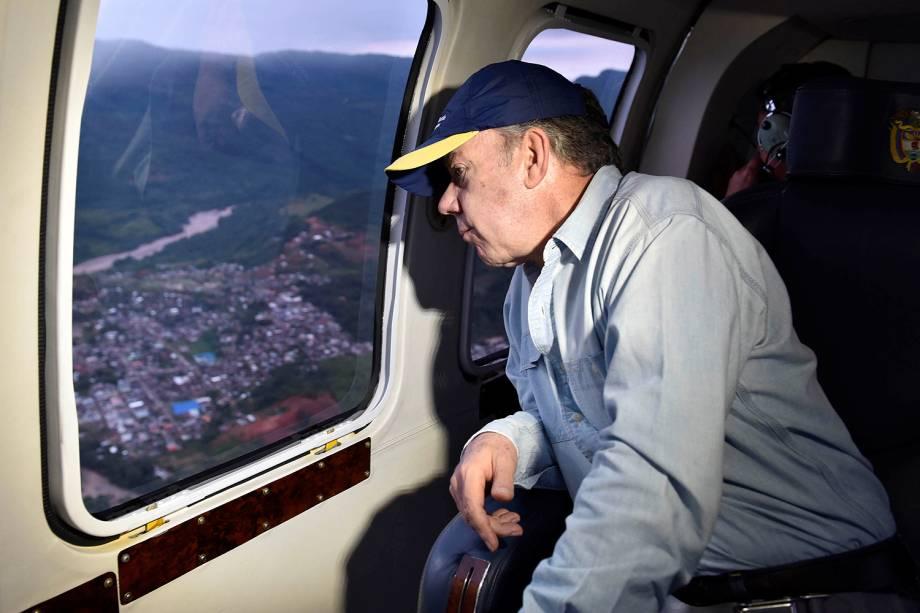 O presidente da Colômbia, Juan Manuel Santos, visitou a cidade de Mocoa, capital do departamento de Putumayo, no sul do país - 02/04/2017