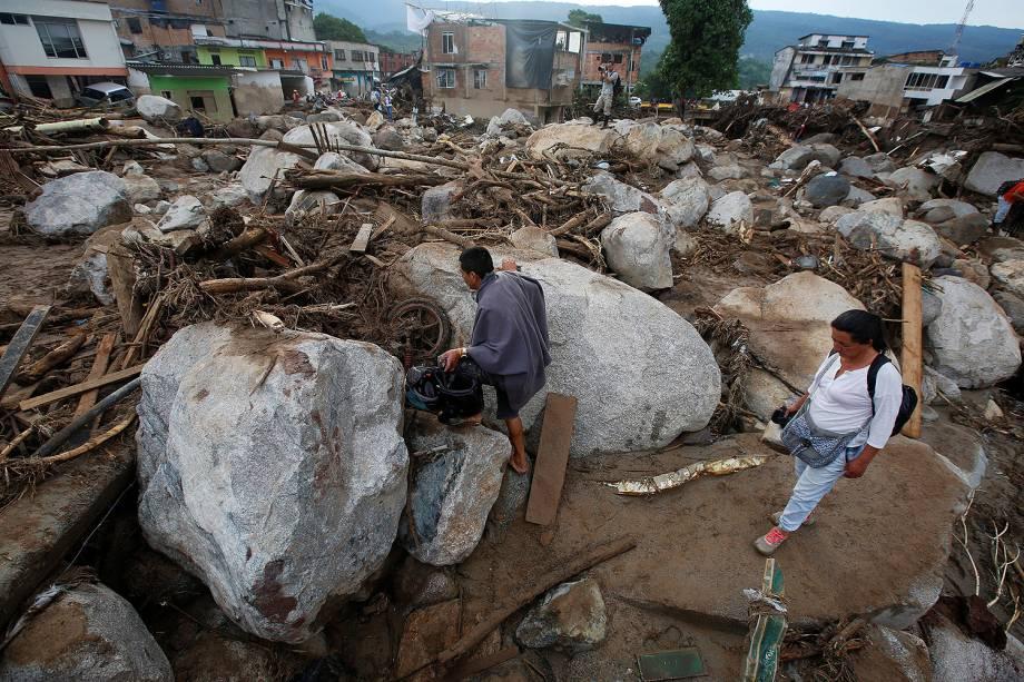Avalanche de água e pedras causada pelo transbordamento de três rios, que destruiu vários bairros da cidade de Mocoa, capital do departamento de Putumay, na Colômbia - 02/04/2017