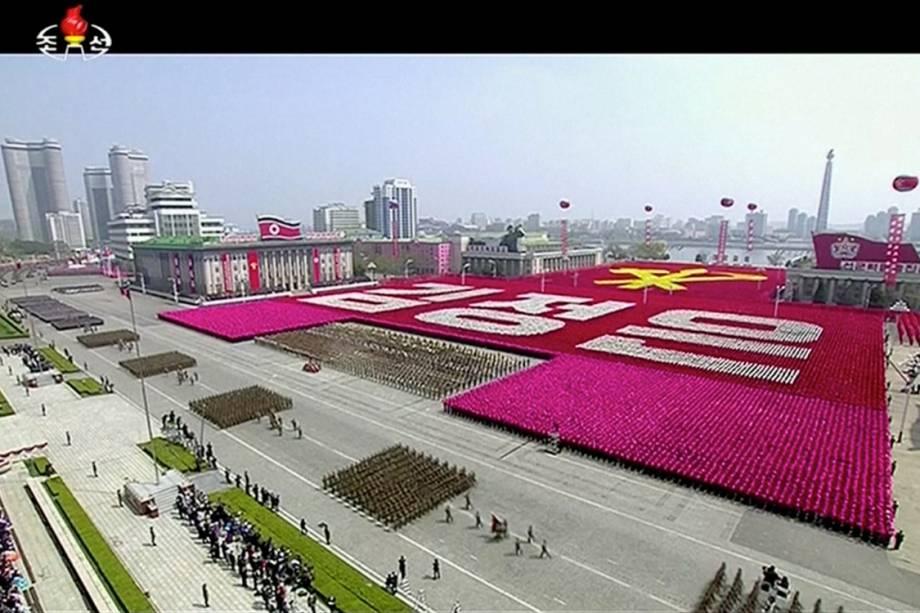 Parada militar na Coreia do Norte comemora o 105° Dia do Sol, que marca o aniversário de Kim Il Sung, ex-líder do país - 15/04/2017