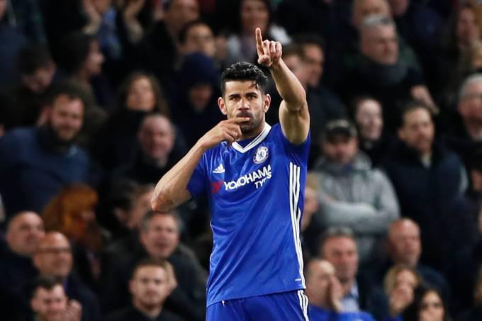 Diego Costa, do Chelsea, comemora gol contra o Southampton pelo Campeonato Inglês, em Londres