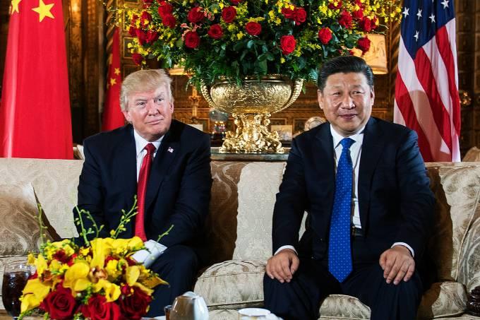 O presidente dos Estados Unidos, Donald Trump, recebeu nesta quinta-feira o presidente da China, Xi Jinping, na Flórida – 06/04/2017