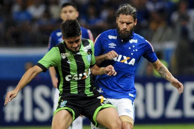 Cruzeiro vence América-MG