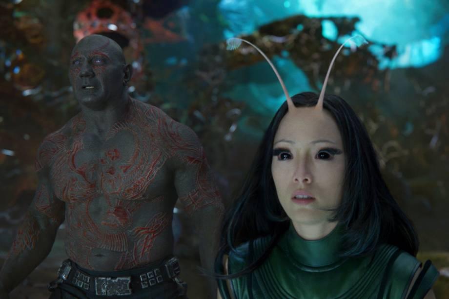 Drax (Dave Bautista) e Nebula (Karen Gillian) em Os Guardiões da Galáxia 2