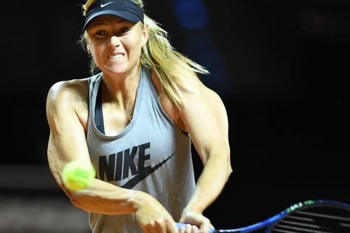 Maria Sharapova volta às quadras na Alemanha