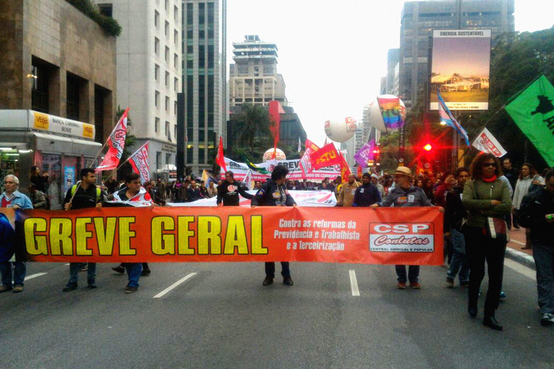 Greve Geral - Ato na Paulista