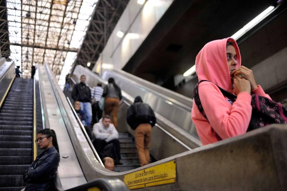 Estacão do Metrô de  Itaquera fechada no inicio da manhã durante greve geral organizada por sindicatos e movimentos sociais - 28/04/2017