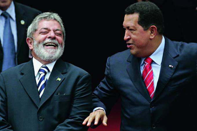 Os presidentes Luiz Inácio Lula da Silva e Hugo Chávez
