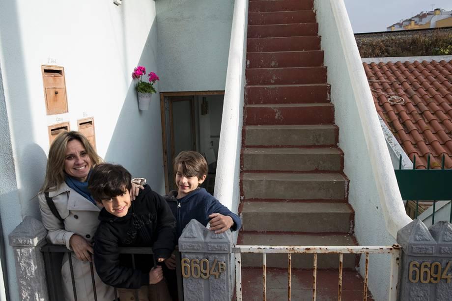 Christiana Braga com os filhos em Lisboa, onde é empresária