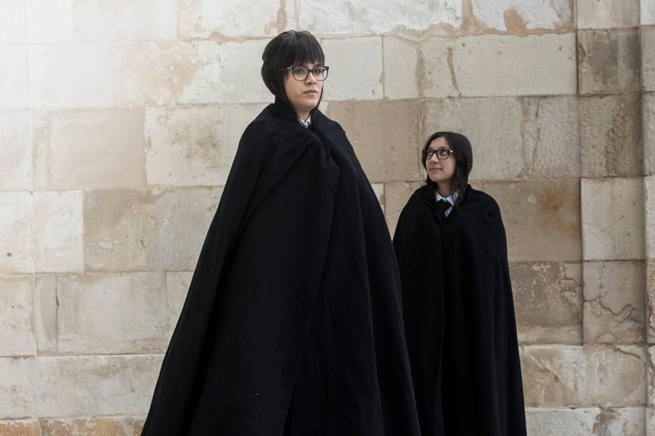 Stephanie Manchado Pereira (à dir) e Rafaella Cunha (à esq), estudantes da universidade de Coimbra
