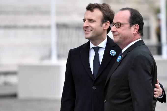 François Hollande e Emmanuel Macron, em Paris