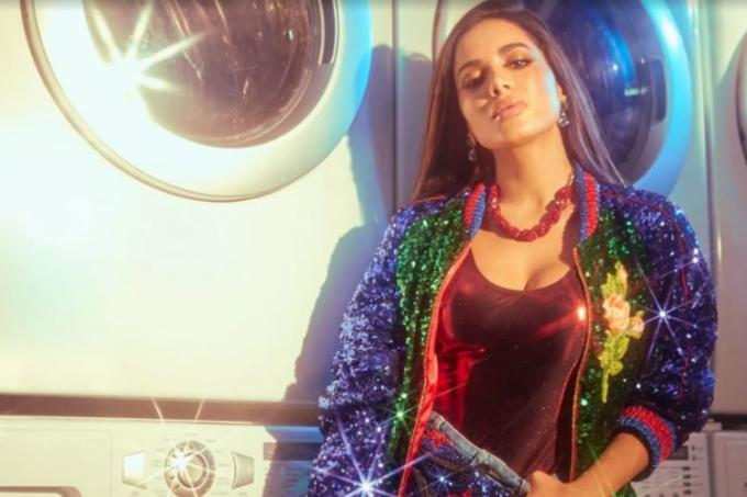 Anitta lança clipe da música Paradinha