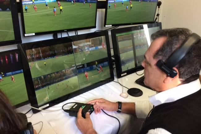 CBF testa árbitro de vídeo que será utilizado pela primeira vez