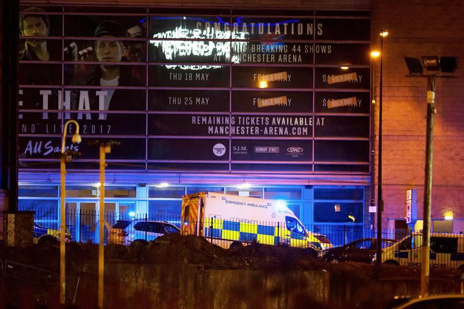 Explosão deixa mortos e feridos em show de Ariana Grande na Inglaterra  - 22/05/2017
