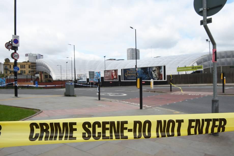 Manchester Arena é isolada após ataque terrorista durante o show da cantora Ariana Grande