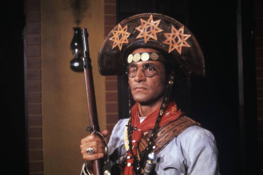Nelson Xavier como o Rei do Cangaço na minissérie 'Lampião e Maria Bonita', da TV Globo em 1982